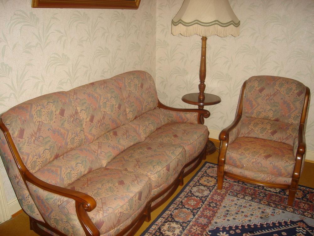 très jolie canapé + 1 fauteuil + 1 lampadaire 0 Monswiller (67)