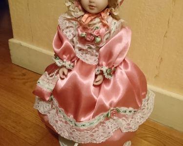 Très jolie  lampe poupée rose 15 Lyon 7 (69)