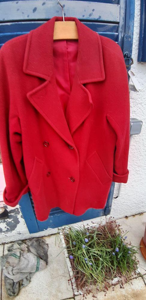 Tres jolie veste rouge bordeaux 25 Saint-Witz (95)