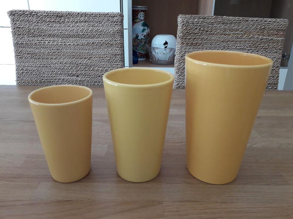 Trio de vases en porcelaine 15 Saint-Witz (95)