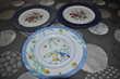 Lot de trois assiettes décoratives