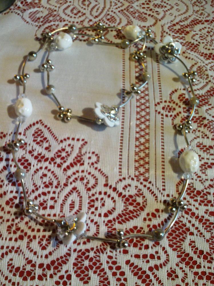 Lot de trois colliers N°863 10 Bragny-sur-Saône (71)