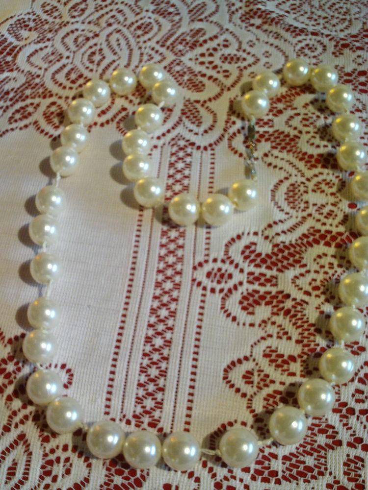 Trois gros colliers de perles fantaisie N°865 10 Bragny-sur-Saône (71)