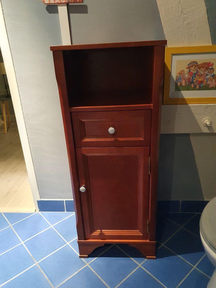 TROIS meubles de salle de bain en bois  80 Dreux (28)