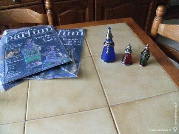 Trois repliques de flacons de parfum (manou) 10 Plérin (22)