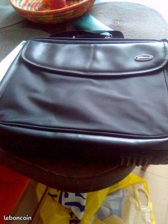 Trois sacoches pour ordinateur 0 Montreuil (93)