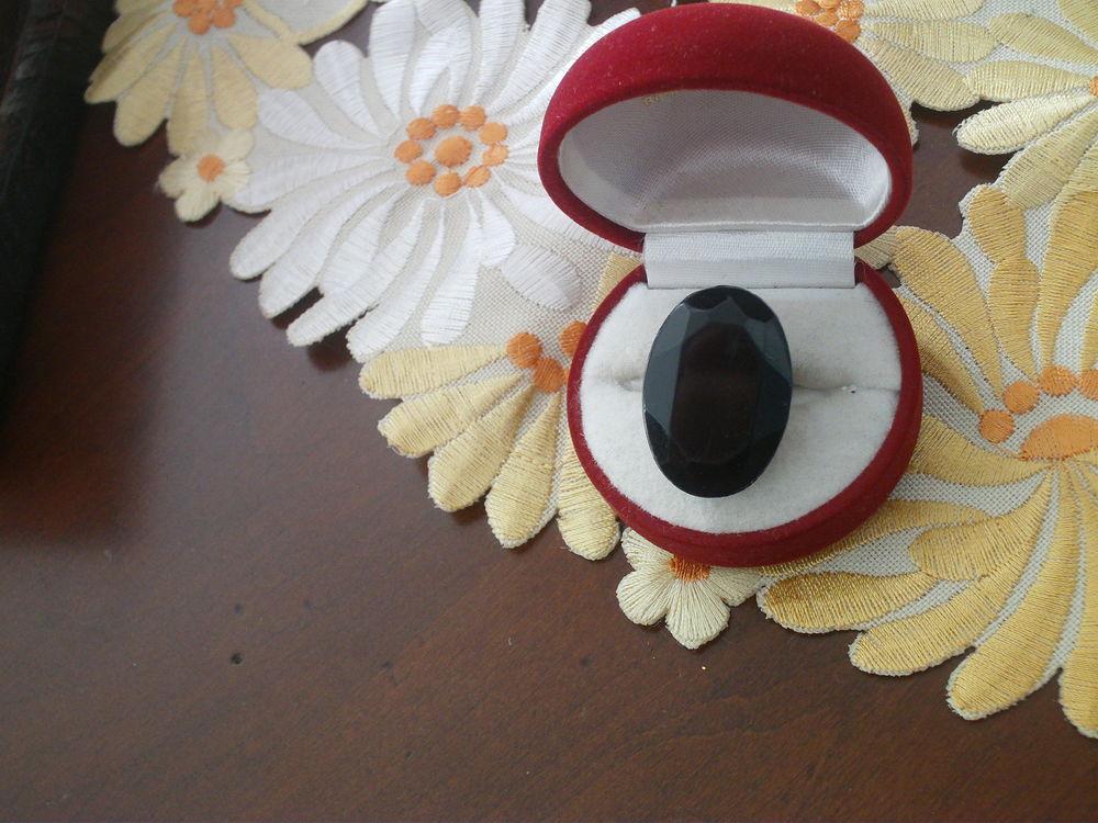 Trois vieilles bagues pierres noires N° 1020 15 Beaune (21)