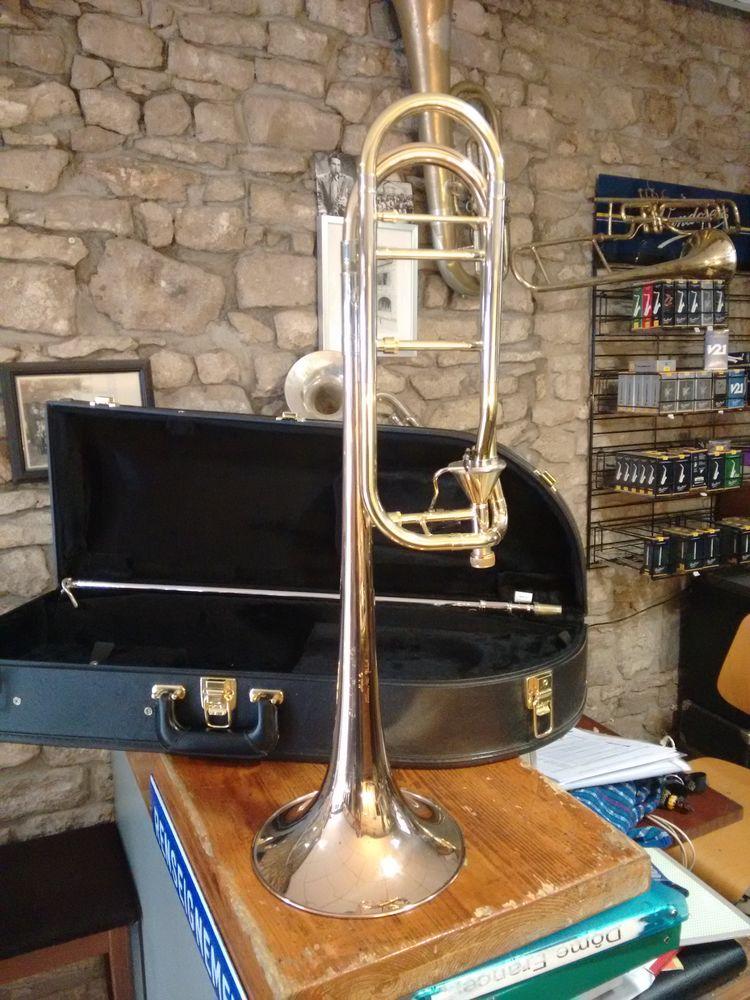 Trombone Edwards, pavillon cuivre rose, branche en argent 2000 Besançon (25)