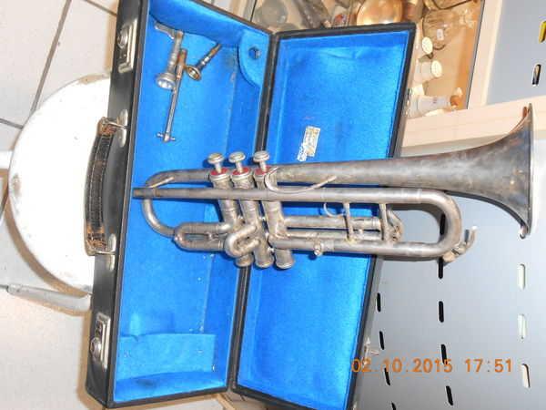 achetez trompette trompette occasion annonce vente gentilly 94 wb151083253. Black Bedroom Furniture Sets. Home Design Ideas