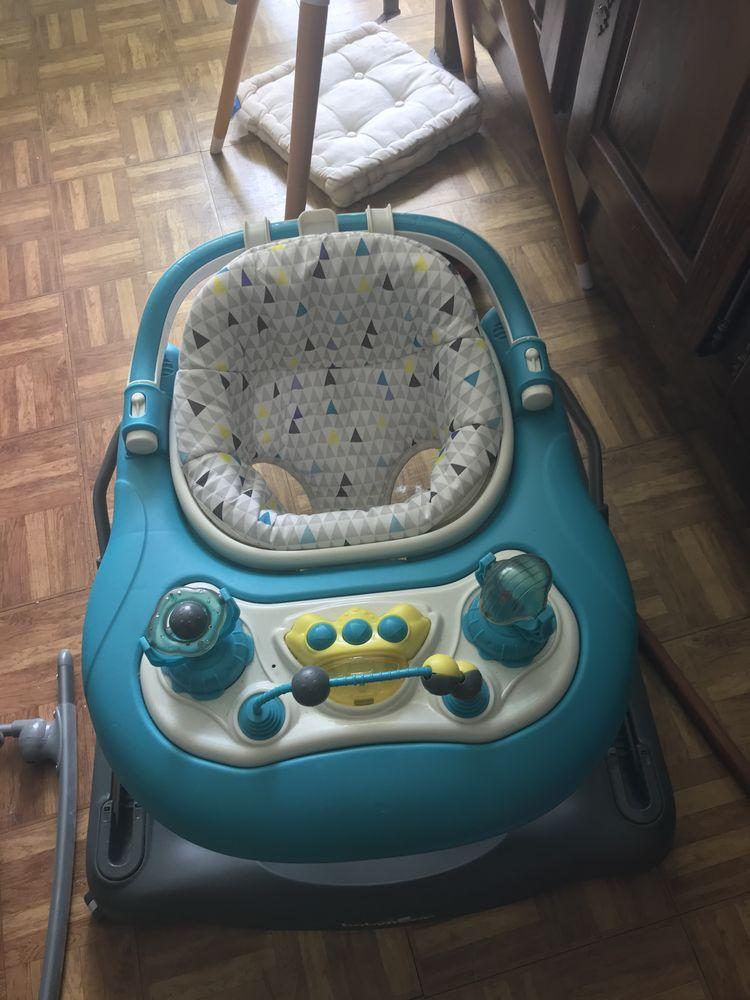 Trotteur pour enfants servi très peu  Très bonne qualité   40 Ermont (95)