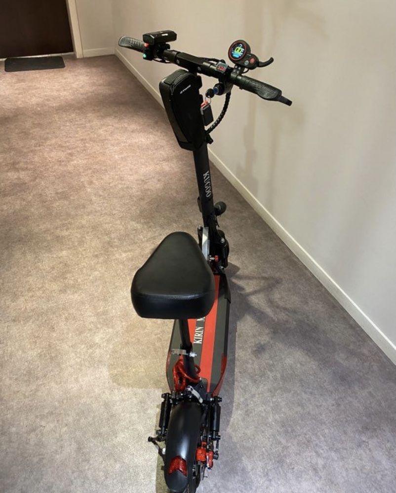 Trottinette électrique Vélos