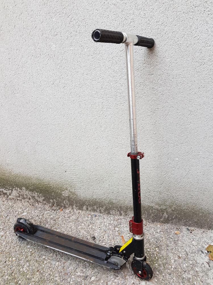 Trottinette patinette enfant ado adulte Vélos