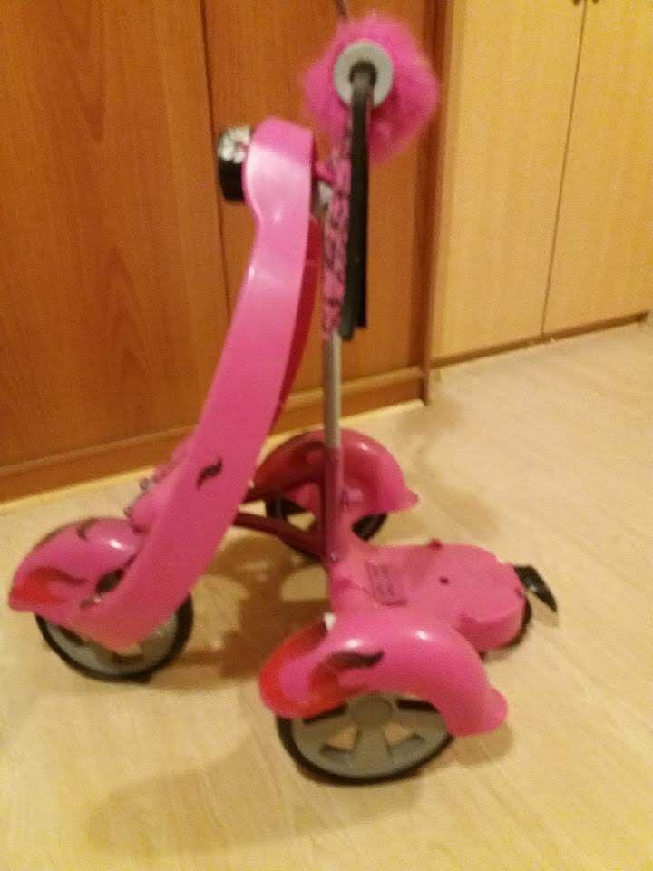 Trottinette trois roues Jeux / jouets