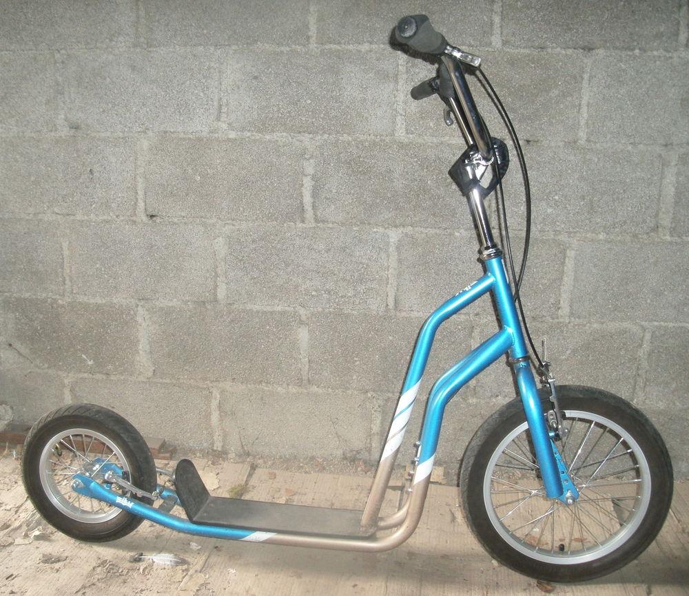 Trottinette Yedoo City bleue tout terrain Vélos