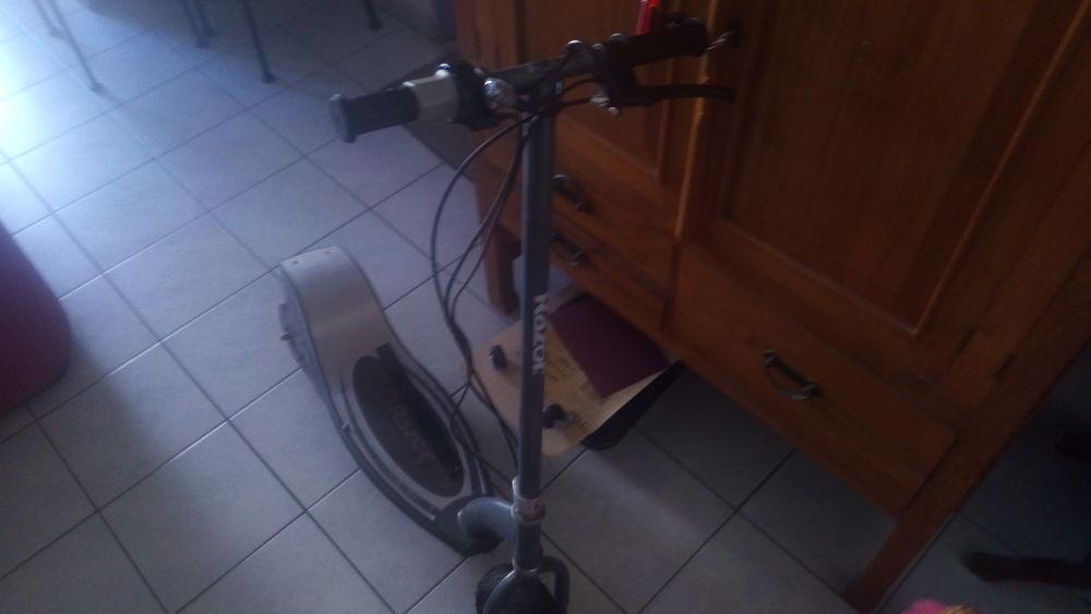 trottinnette electrique 230 Le Port (97)