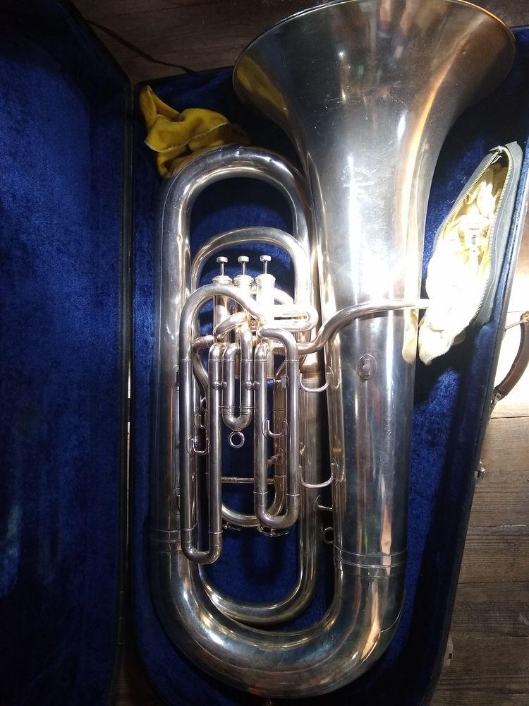 Tuba contretuba compensé boosey ans Hawkes 3 pistons 1500 La Ferté-sous-Jouarre (77)
