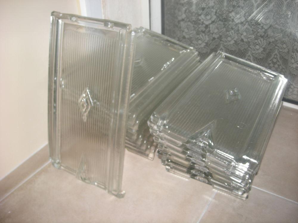 16 Tuiles plates en verre type Roumazières-Loubert 100 La Rochelle (17)