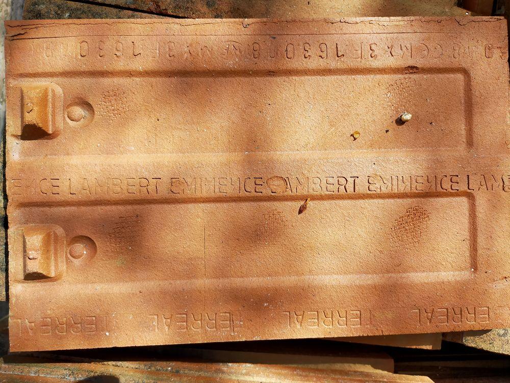 400 tuiles plates 0 Freneuse (78)