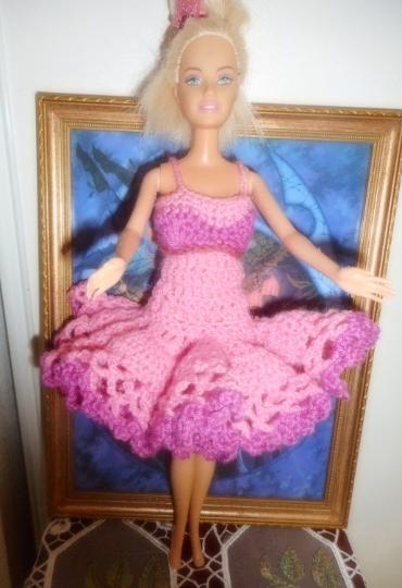 tutu crocheté main rose et fushia pour barbie 0 Lignan-sur-Orb (34)