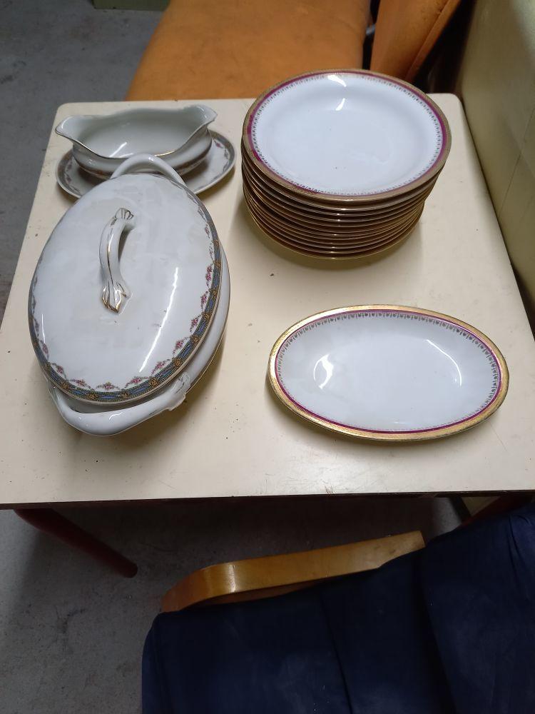 lot vaisselle porcelaine 75 Carquefou (44)