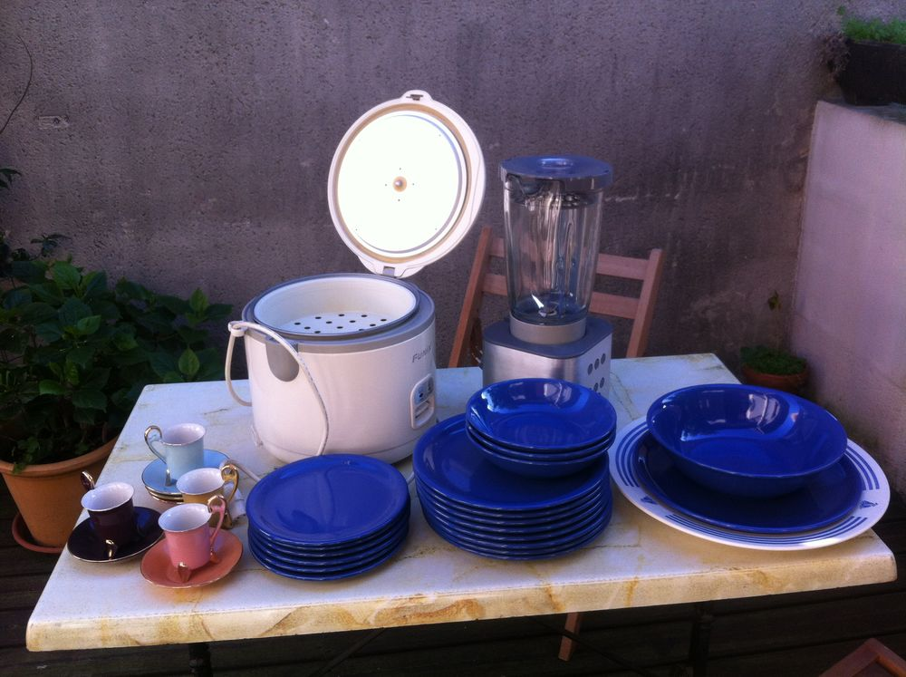 Lot vaisselle, Ricecooker, blender Kenwood, tasses 65 Toulouse (31)