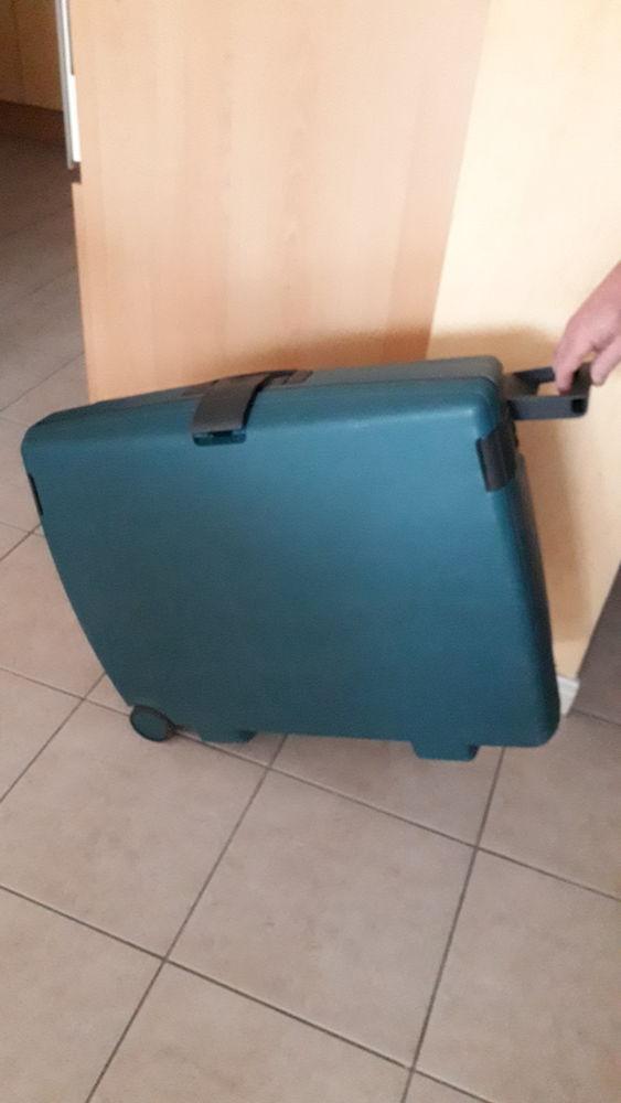 valise avec code sécurité 20 Chantepie (35)