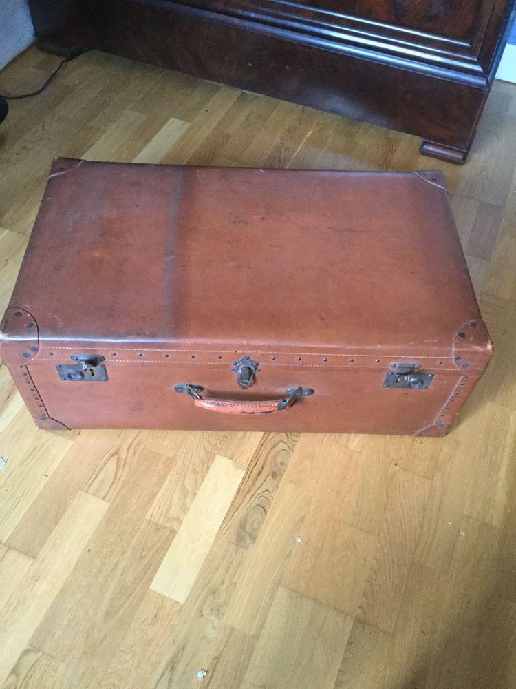 Valise en carton ancienne 50 Avon (77)