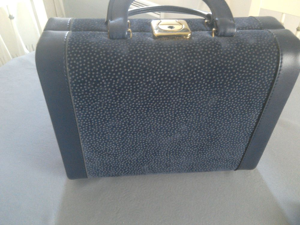VALISE MAQUILLAGE 25 Toulon (83)