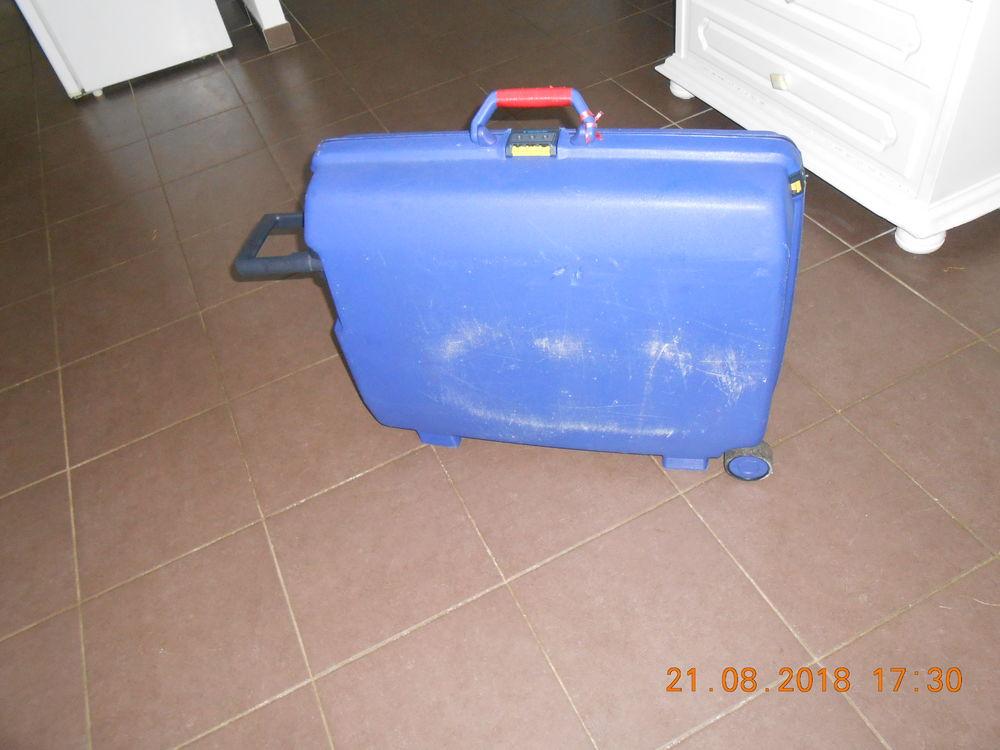 valise rigide à 2 roulettes 6 Marck (62)