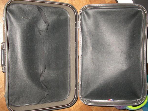 valise 60 x 40 cm   9 Auvers-sur-Oise (95)