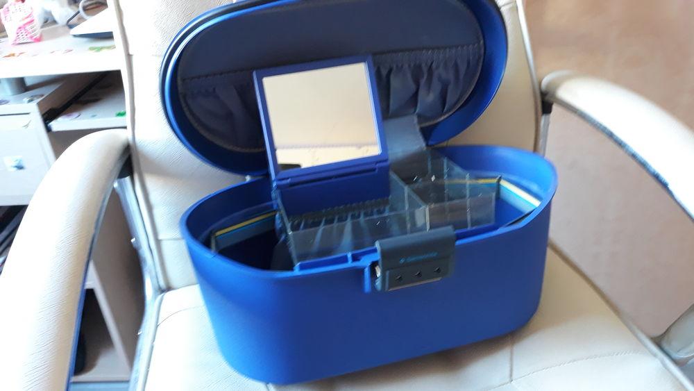 Vanity case bleu Maroquinerie