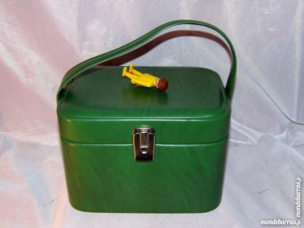 Vanity case malle bagage ancien valise vintage 20 Dunkerque (59)