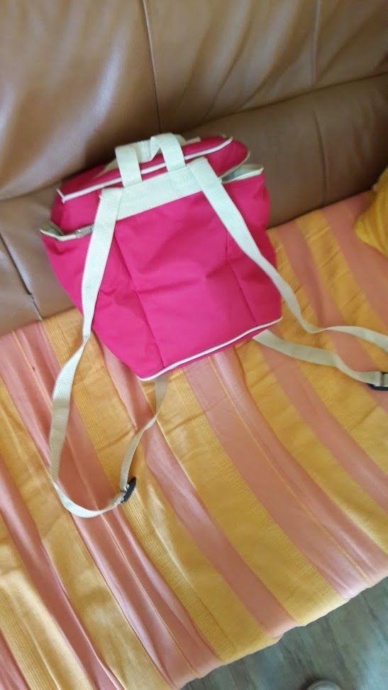 vanity-case rose avec bandoulière . 12 Rueil-Malmaison (92)
