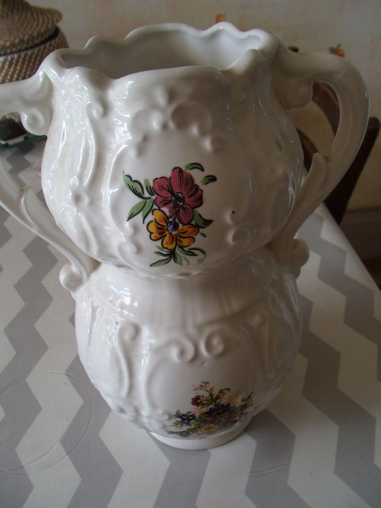 vase avec poignées  15 Mayenne (53)