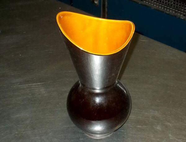 Vase de couleur noir val d'or made in France 45 Monflanquin (47)