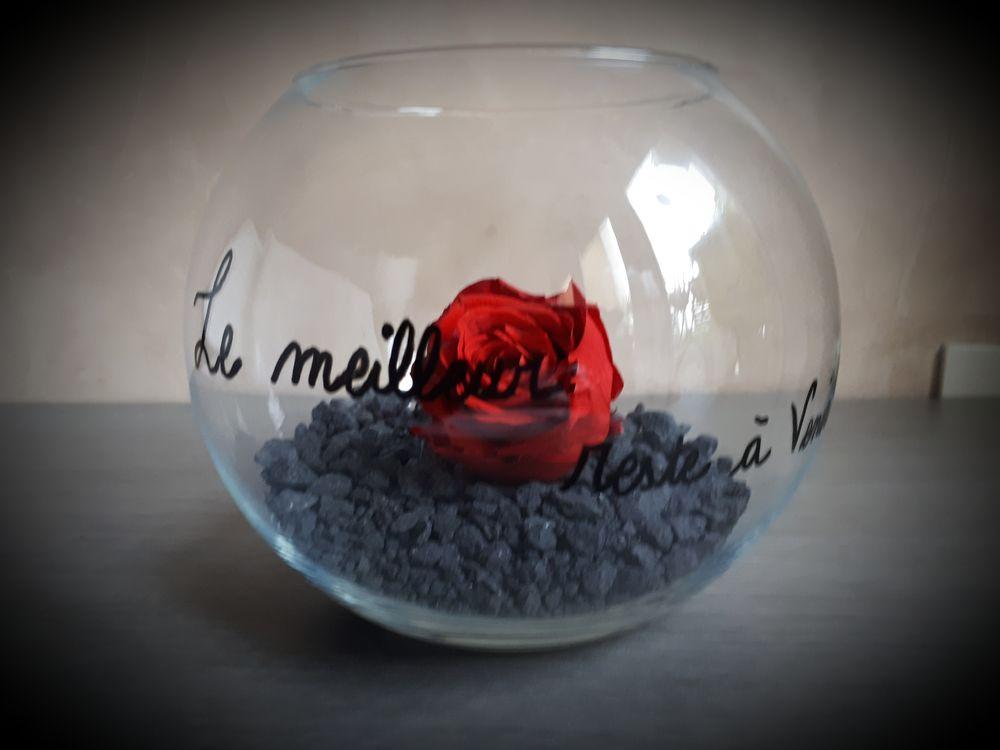 Vase décoratif, une rose éternelle 13 Goussainville (95)