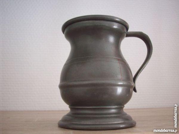 vase étain 10 Paris 9 (75)