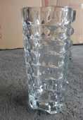 VASE (grand) en verre transparent  travaillé 10 Doussard (74)