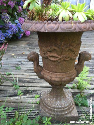 Achetez vase médicis fonte occasion, annonce vente à Lyon