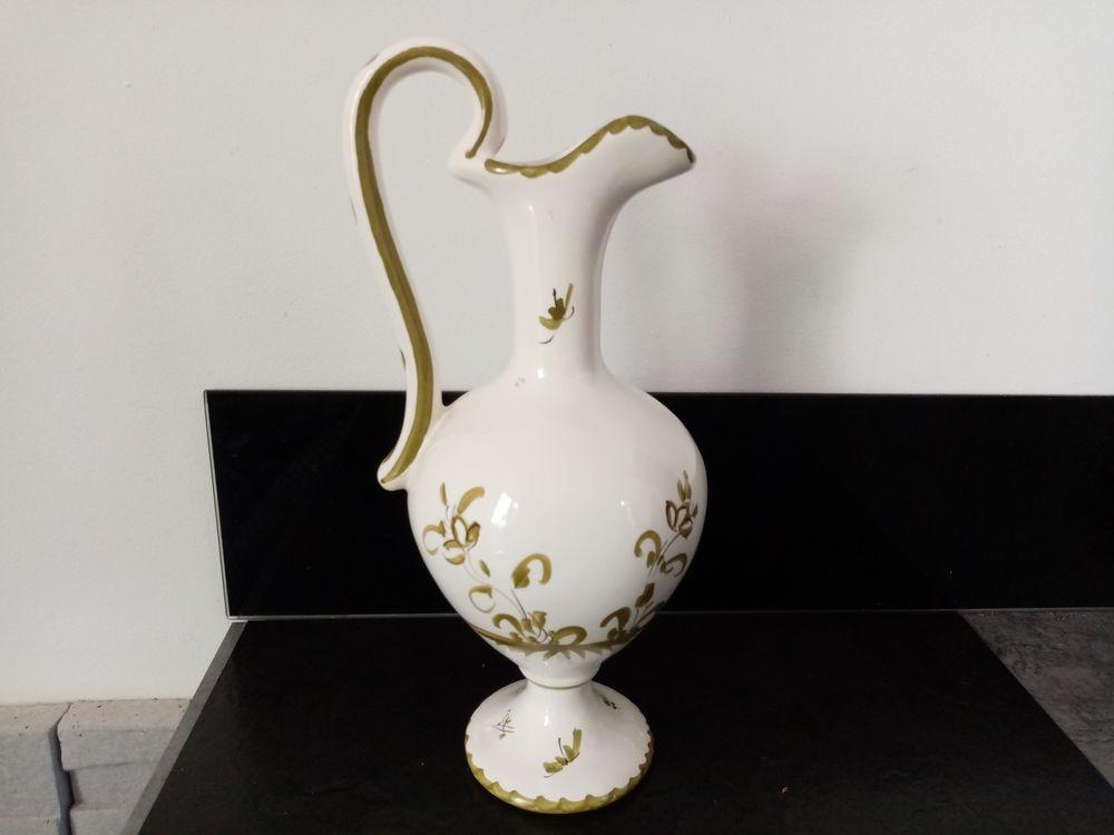 Vase Moustiers signé 25 Toulouse (31)