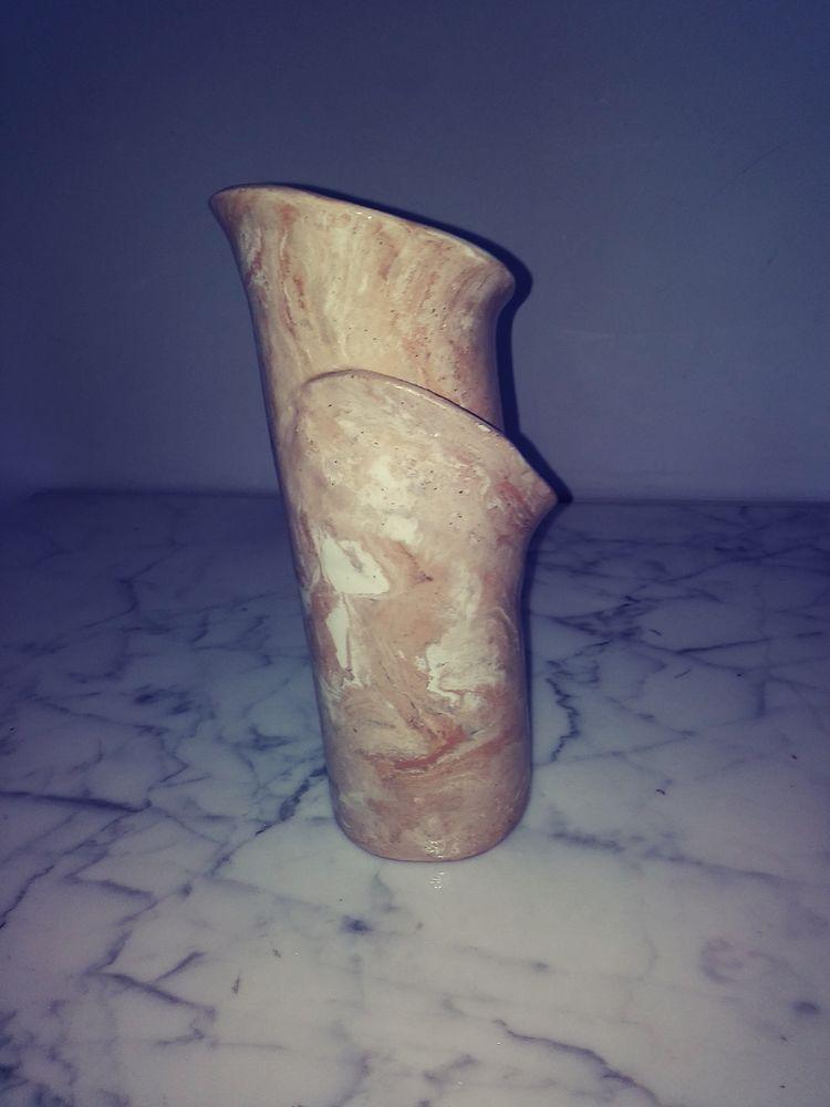 Vase original 16 Gattières (06)