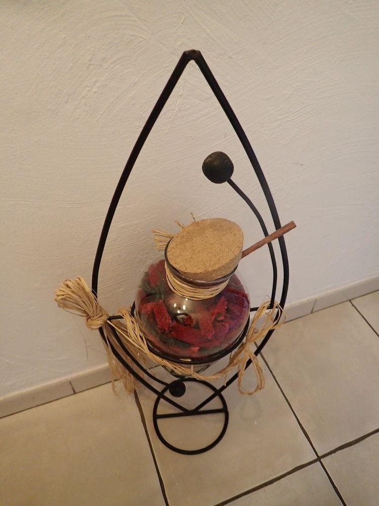 Vase pot pourri 20 Saint-Raphaël (83)