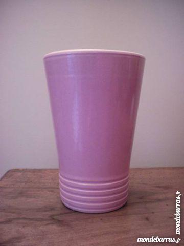 Vase rose - en faïence 5 Neuilly-Plaisance (93)