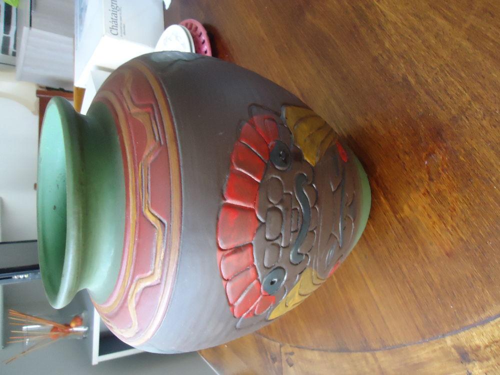 Vase en terre cuite 18 Doué-la-Fontaine (49)