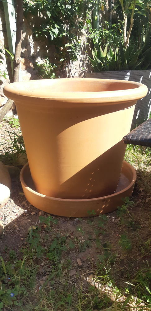 Vase en terre cuite et sa sous-tasse 10 Balaruc-les-Bains (34)