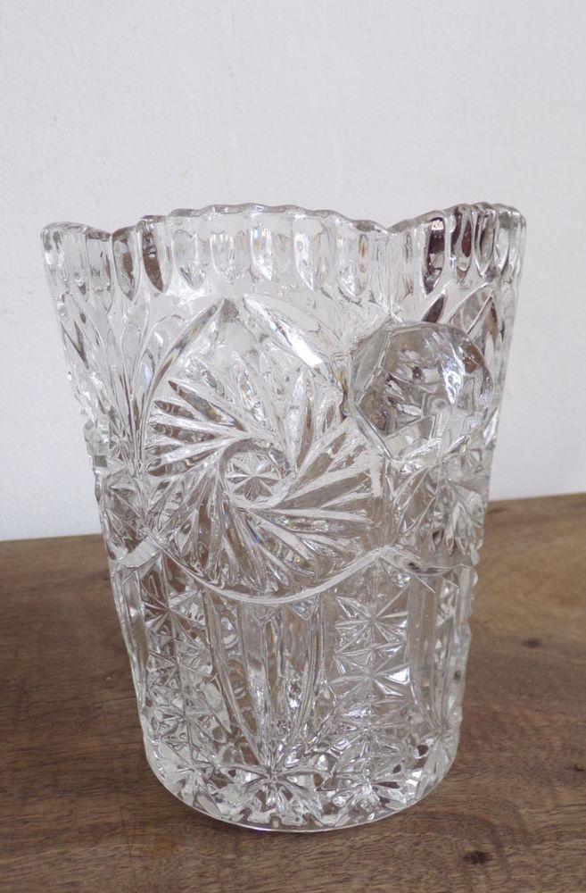 Vase en verre épais à motifs floraux géométriques 6 Laval (53)