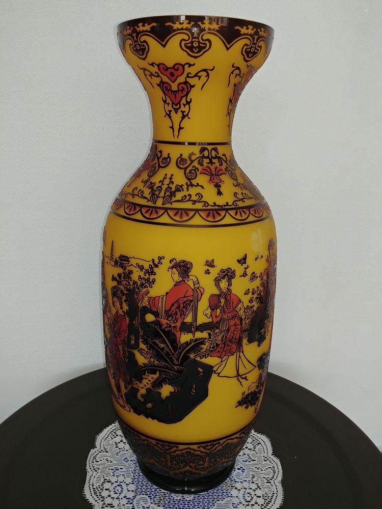 Vases Chinois modernes avec scènes ancestrales Décoration