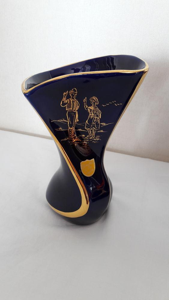 Vases décorés main. 30 Suresnes (92)