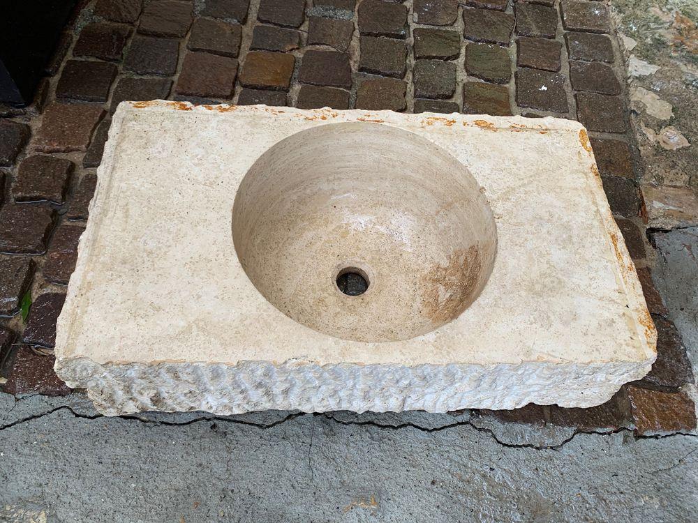 Vasque en marbre un bloc  230 Le Bar-sur-Loup (06)