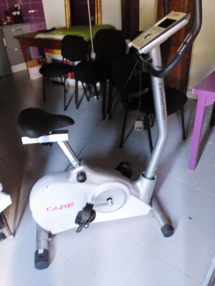 VELO D'APPARTEMENT , BANC MUCULATION, STEPPER  150 Thomery (77)
